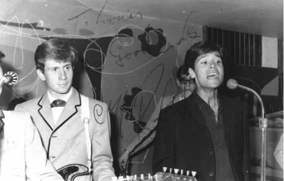 Teddy Bautista y Cliff Richard en el Flamingo. Las Palmas de Gran Canaria, 1963
