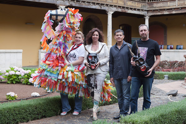 Antiguos ritos del Corpus Christi de La Laguna en el desfile 'Diablos y Tarasca