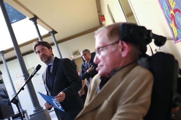 Conceden a Stephen Hawking el título de Visitante Ilustre de Tenerife