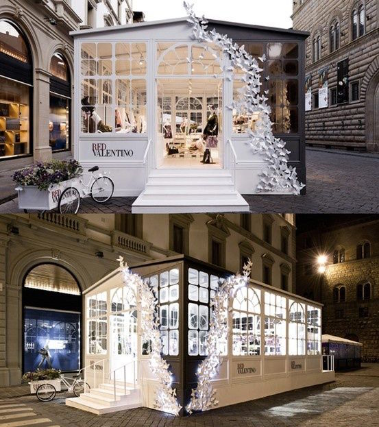 Valentino Pop up Pop Up Shop Design