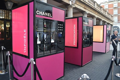 vending machine chanel in out
