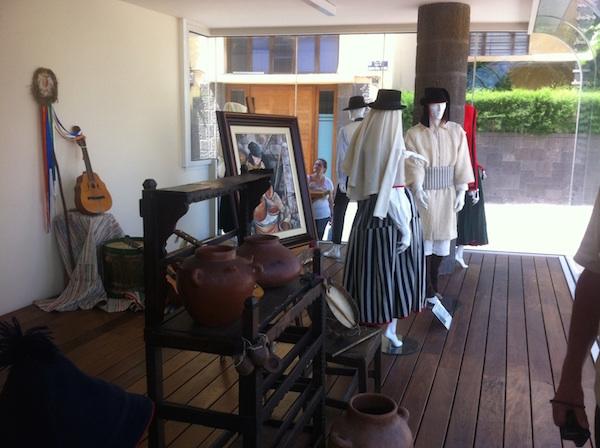 morales_vestidos tradicionales