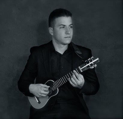 Protagonista el timple en el concierto que ofrecerá Víctor Estárico